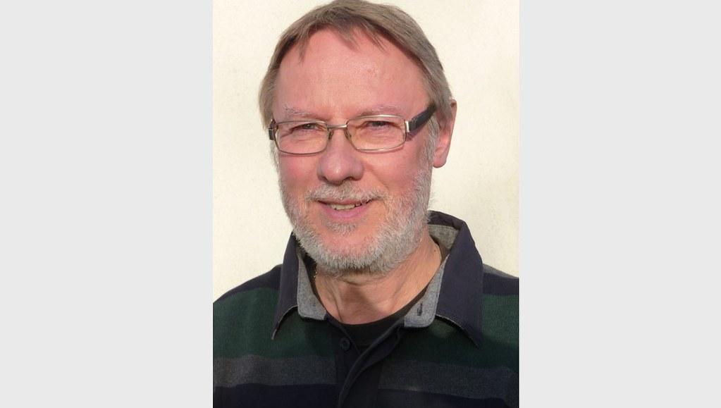 Dr Nick Hall
