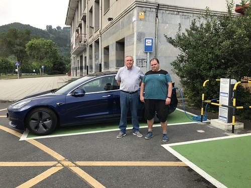 Tesla en el Centro de Formación de Somorrostro