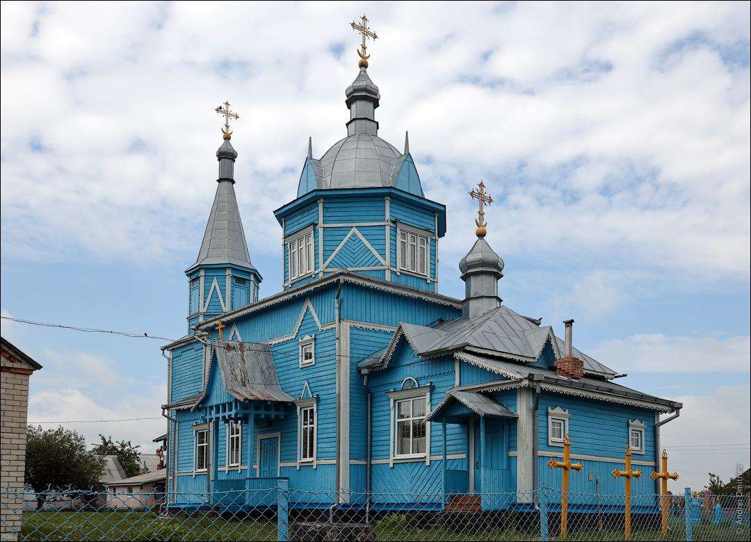 Белоуша, Беларусь, Троицкая церковь