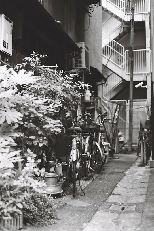 Leica M3+Carl Zeiss Planar50mm f2 0+FUJIFILM NEOPAN100 ACROS銀座一丁目の路地