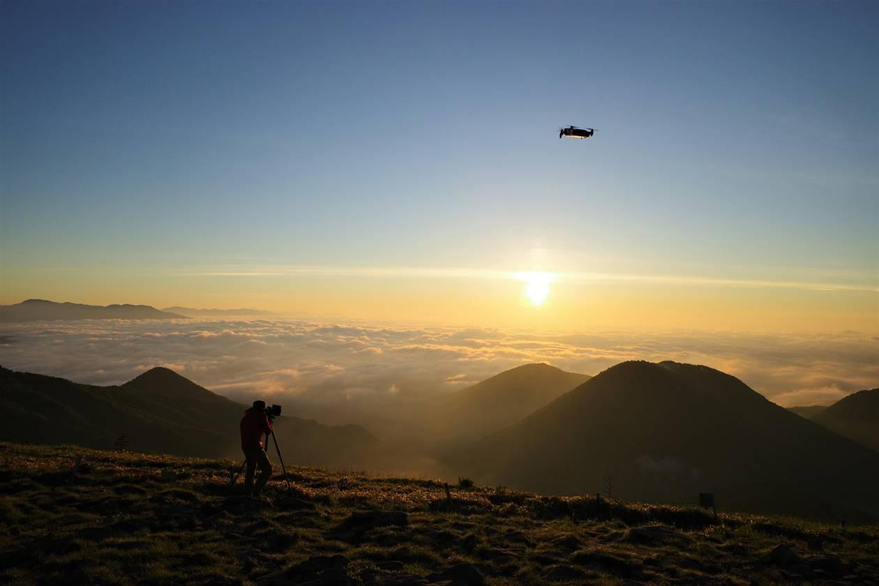 湯ノ丸山登山 ご来光と雲海とドローン
