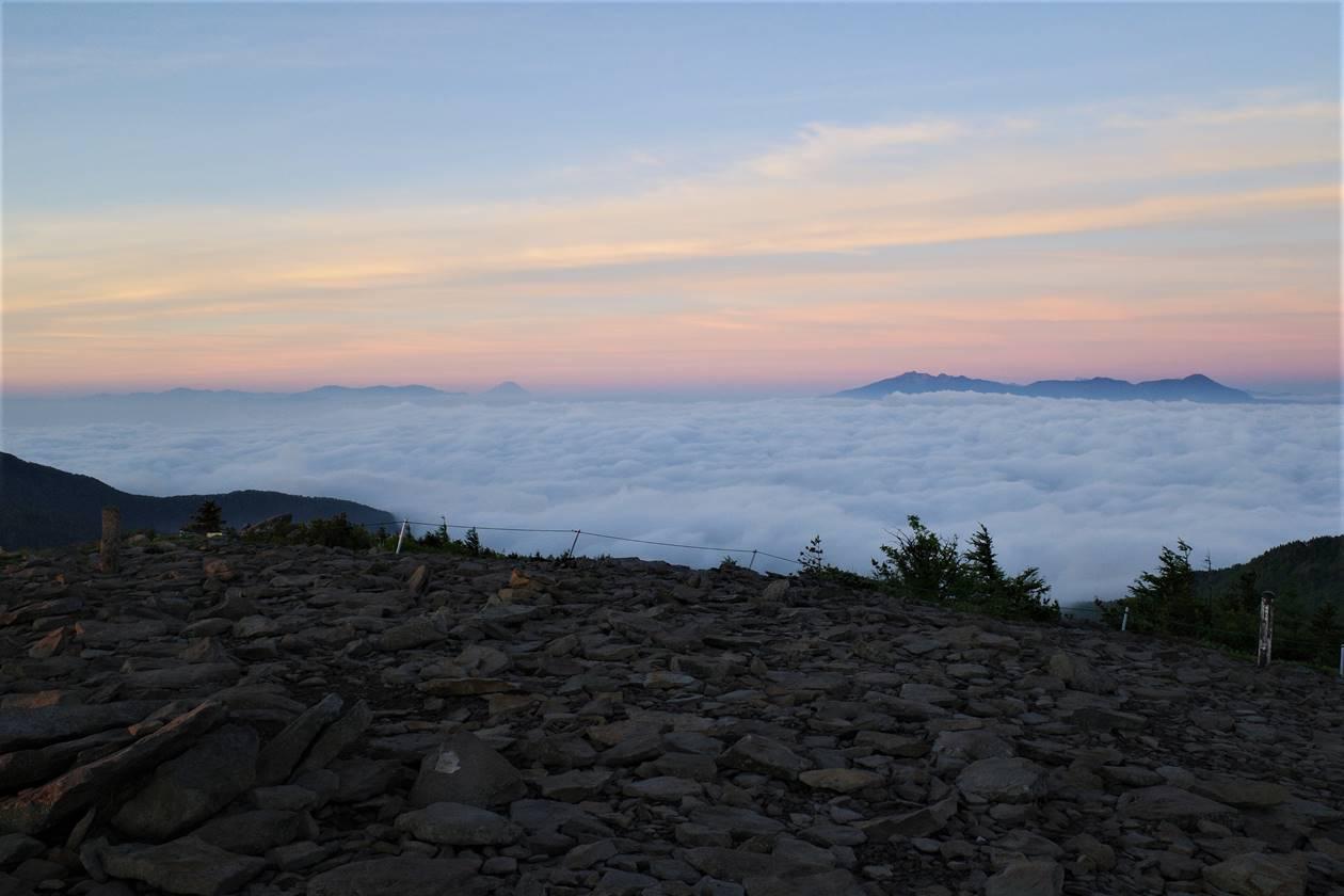湯ノ丸山 山頂からの富士山と八ヶ岳