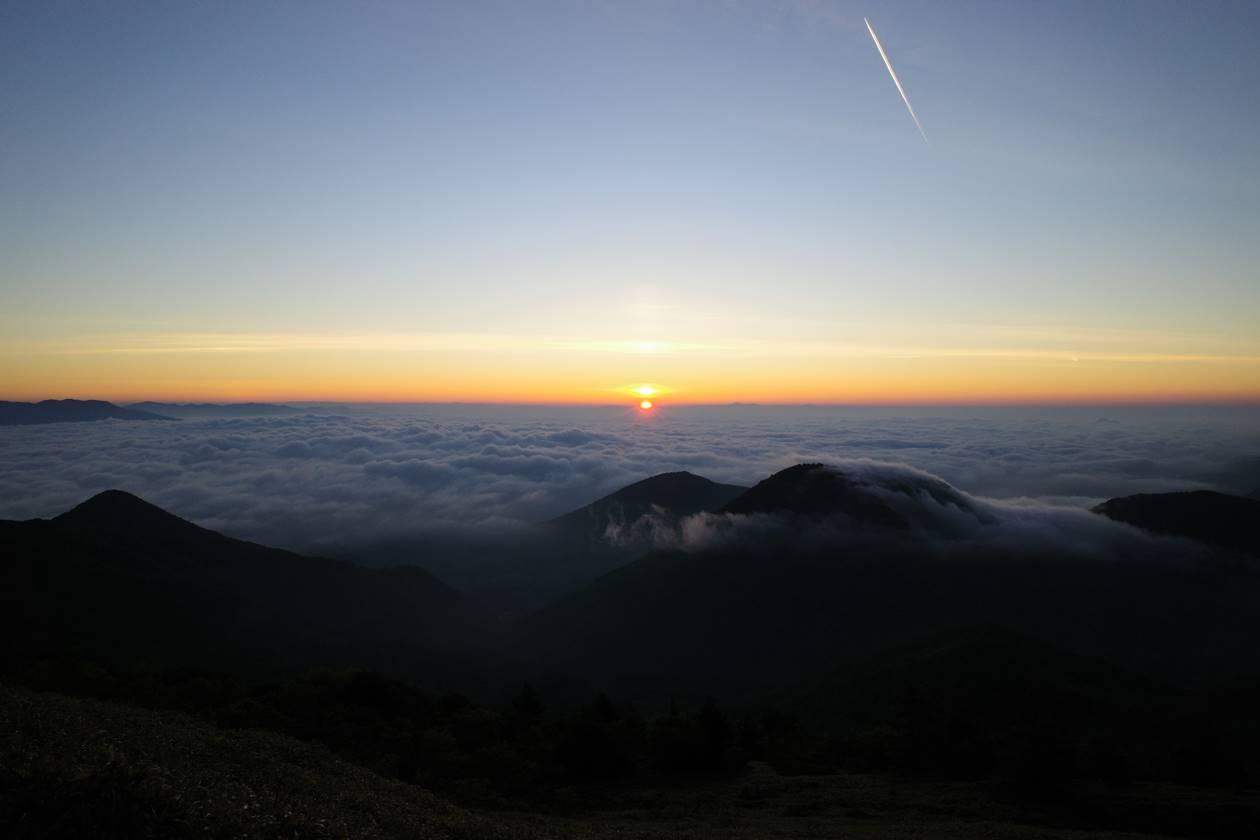 湯ノ丸山 雲海と朝日・ご来光