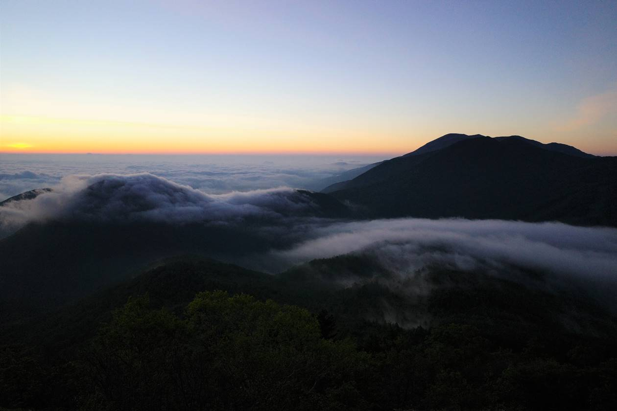 湯ノ丸山 雲海と朝焼け