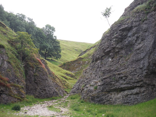 View up Cave Dale SWC Walk 343 - Hope to Hathersage or Bamford (via Castleton)
