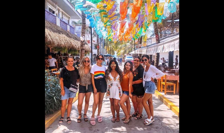 Selena Gómez en playas mexicanas