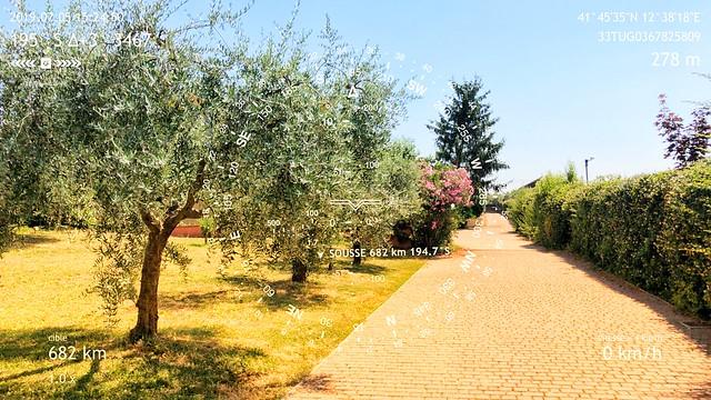 Étape 65 - Rome -  Castel Gandolfo - Boussole pointant vers la ville de Sousse, vis-à-vis de l'atelier de Ridha Dhib