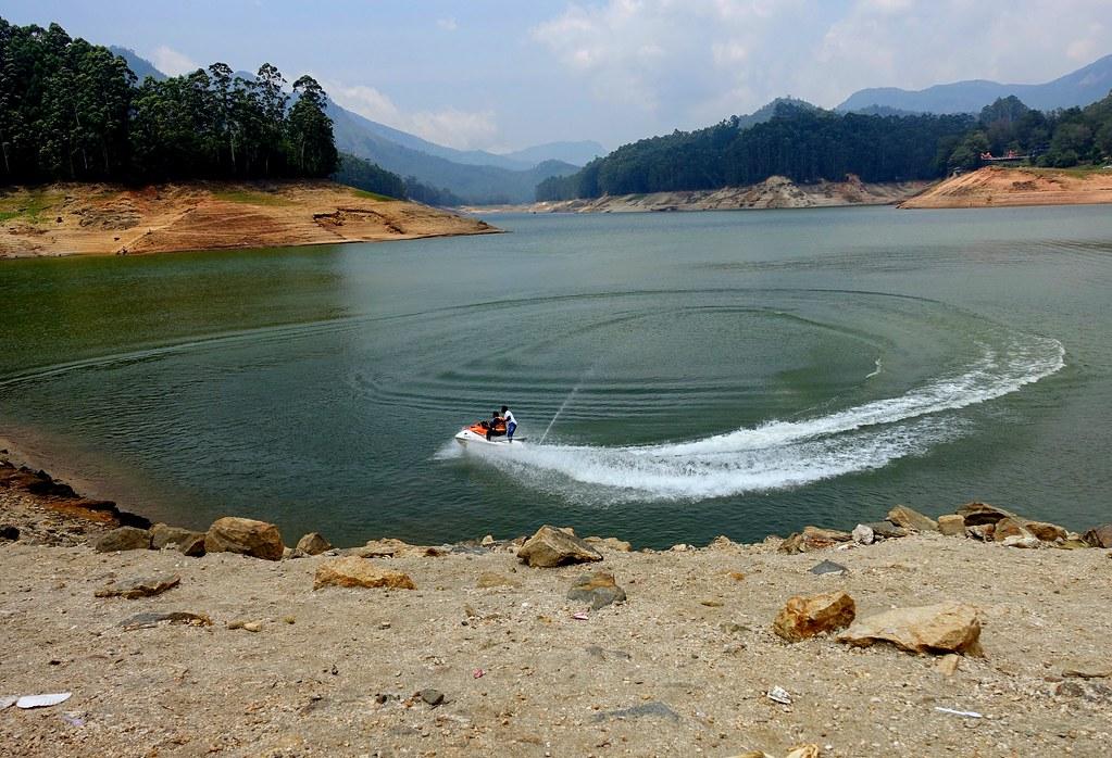 Boating in Mattupetty Dam
