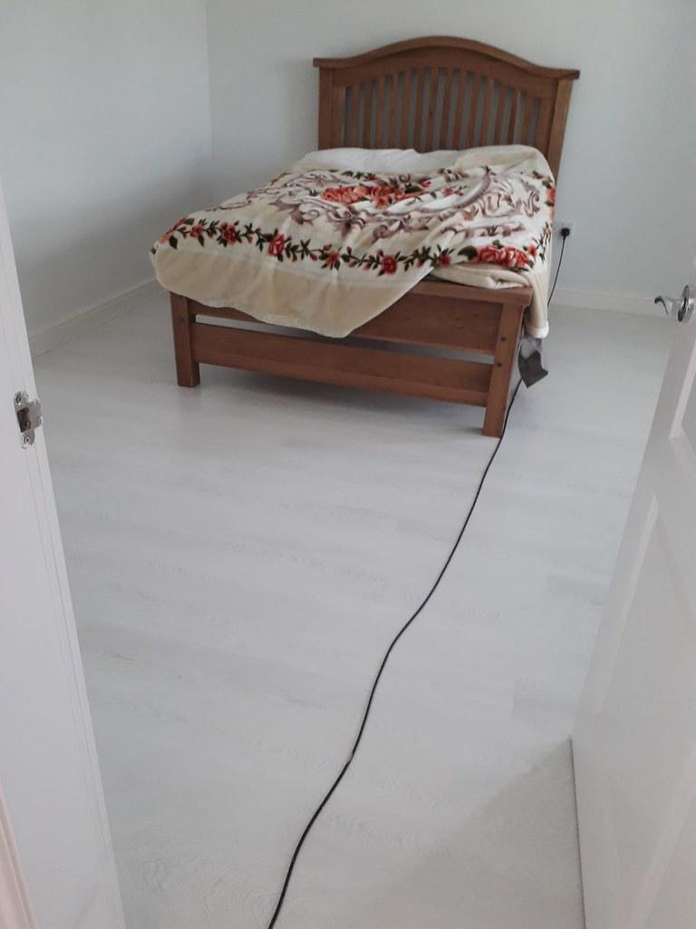 Quickstep Grey-white laminate Bedroom | Quick step Laminate ...