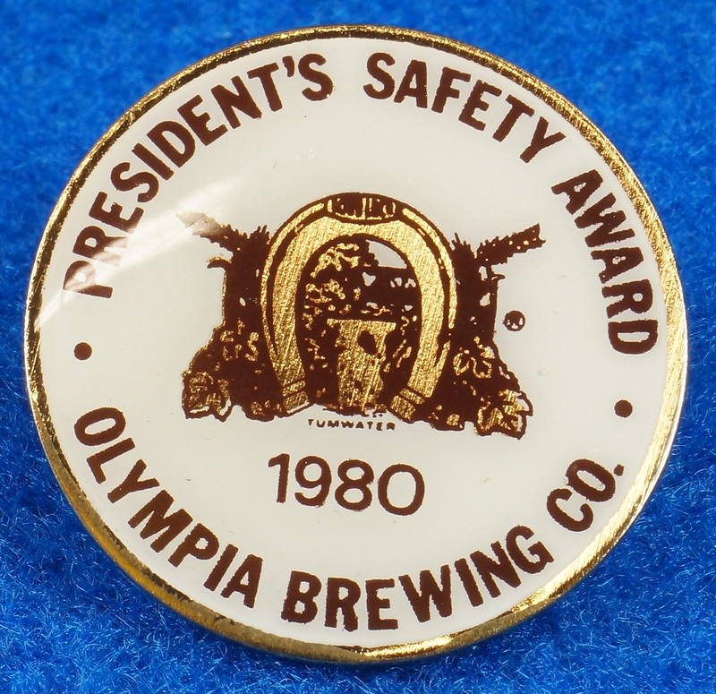 RD28215 Rare 1980 Olympia Beer Brewing Company Tumwater Plant Safety Pin DSC01126
