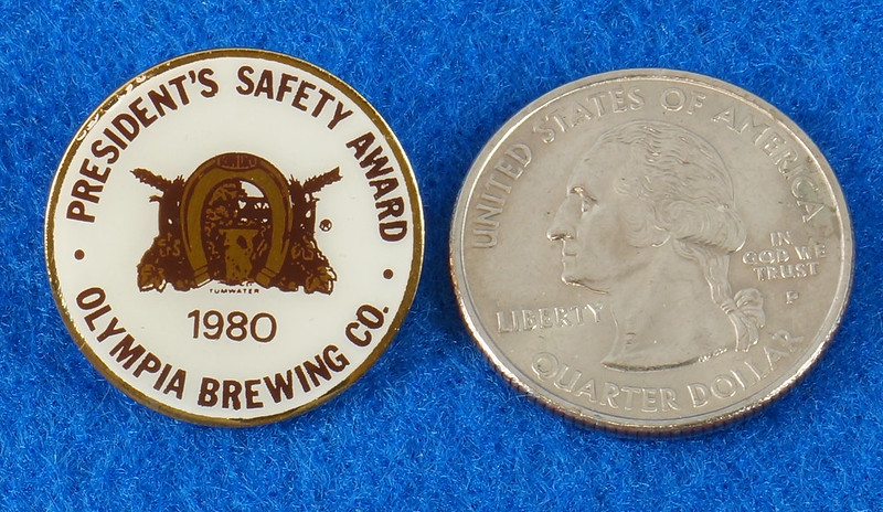 RD28215 Rare 1980 Olympia Beer Brewing Company Tumwater Plant Safety Pin DSC01120