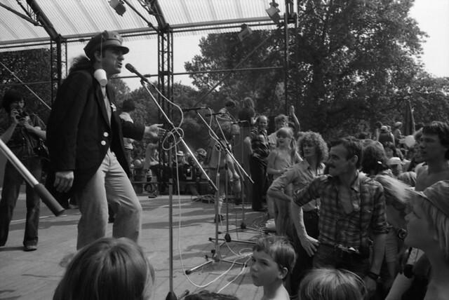 1978 festival of fools 02 - Django and Henk...