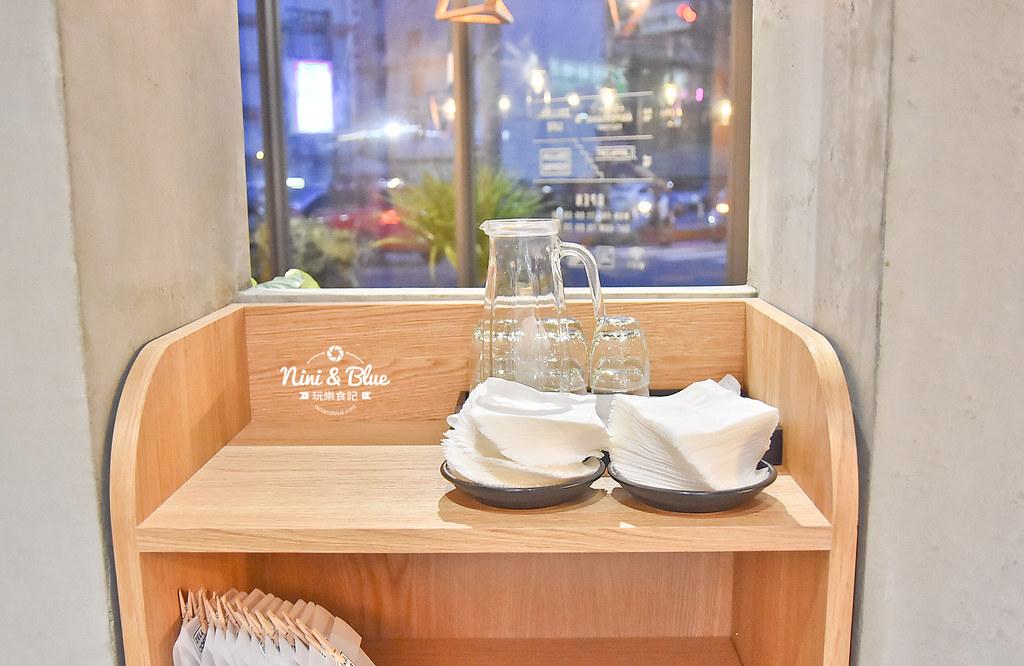 Zeller Coffee Japancart台中咖啡 不限時有插座38