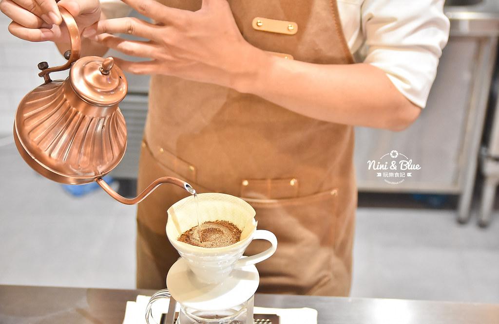 Zeller Coffee Japancart台中咖啡 不限時有插座17