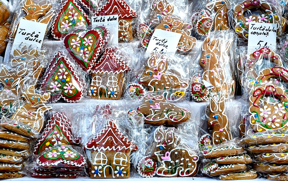 What to eat in Bucharest: Gingerbread Cookies