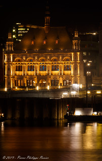 Gold reflections on the river Thames