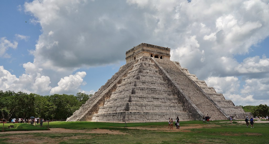 MEXICO, Yucatán, Chichén Itzá, Kukulcán-Pyramide,  19042/11702