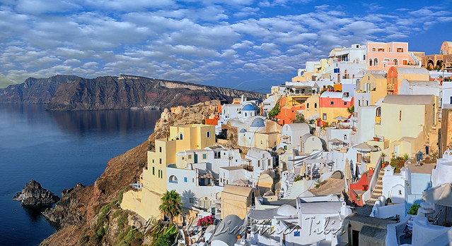 Πρω(Ο)ία Morning at Oia panorama