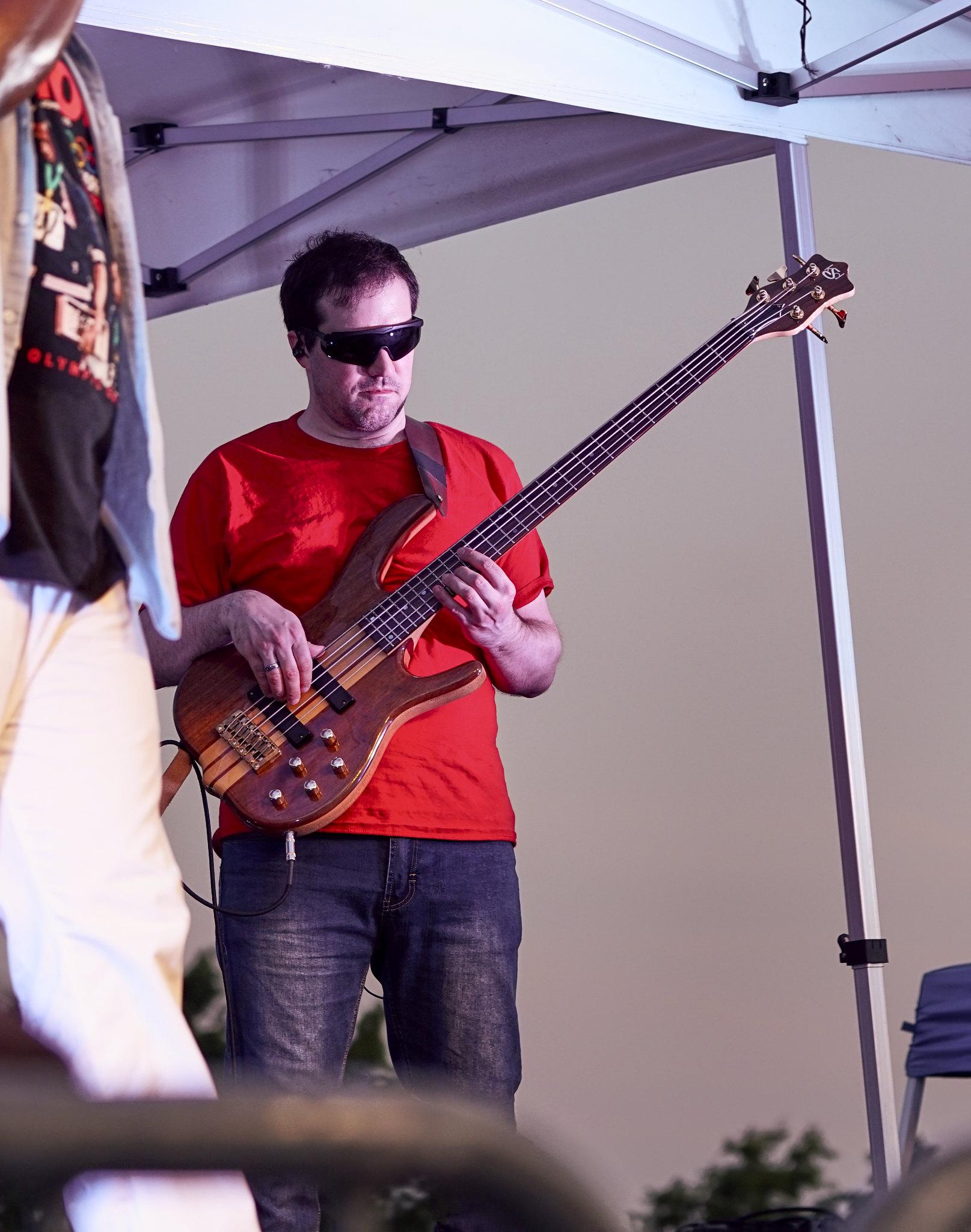 Guitar Guy Shredding
