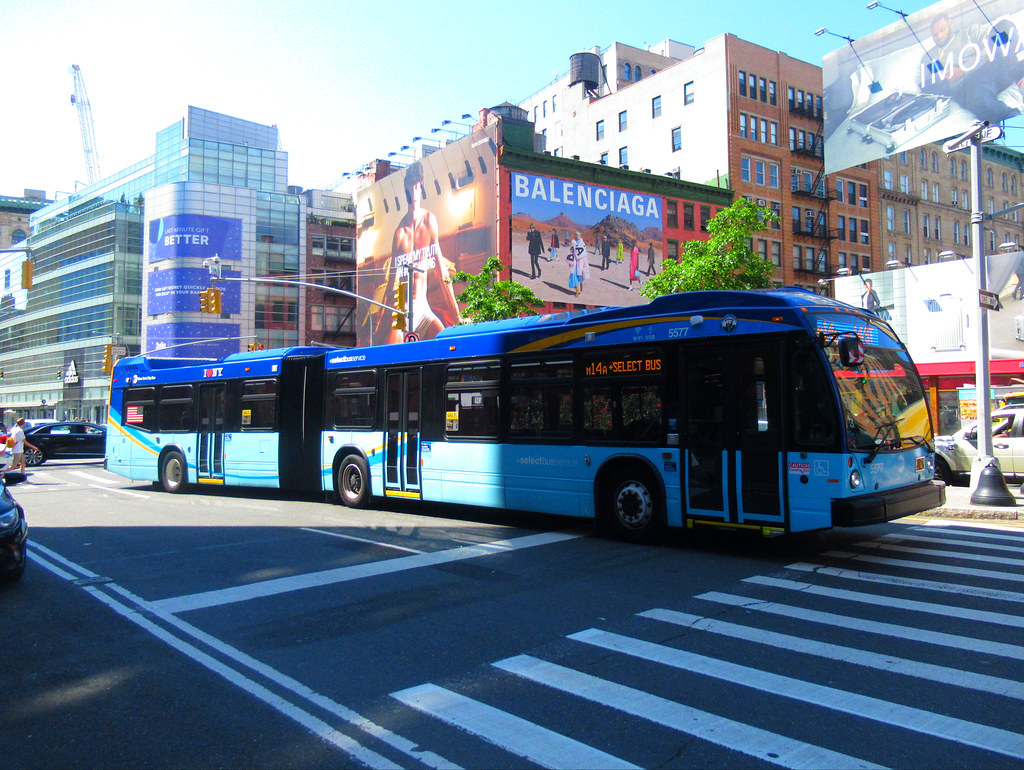 2018 Nova Bus LFSA 5526 on the M14A SBS at East Houston Street & Mulberry Street