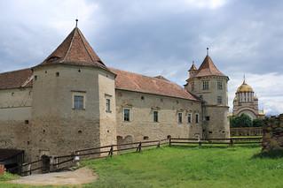 Cetatea Fagaras: Turnul negru si rosu