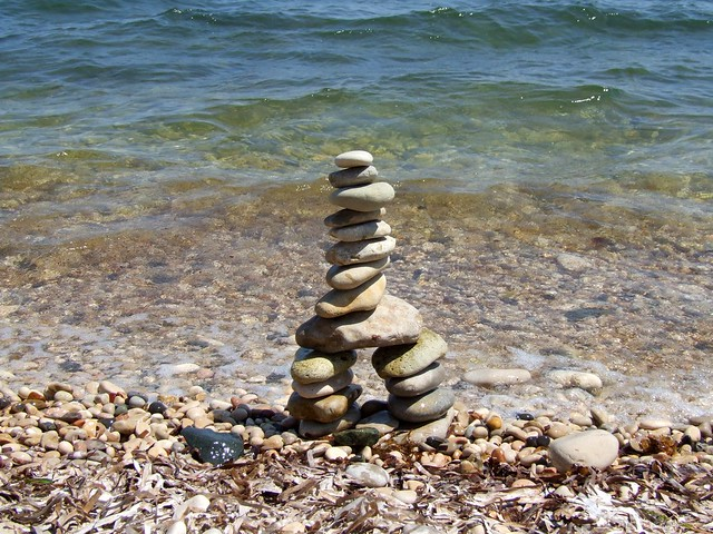 2019_lsnape_Spain_Mediterranean_Altea_l'Olla_coast_sea_beach_pebbles_tower_stack_DSCF2885