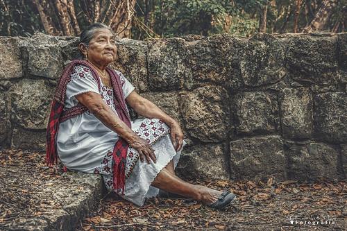 Doña Tina en Chichen Itza1388 ch