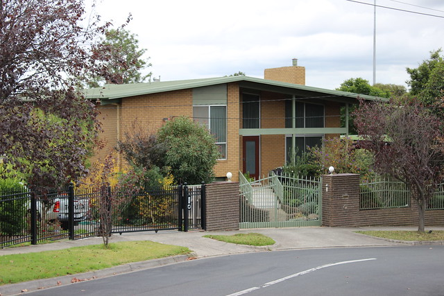 Modernist house 1 on Kilby Road, Kew East