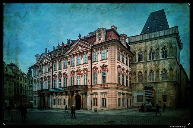Praha - Prague_Staroměstké náměstí_Old Town Square_Palác Kinských_Kinský Palace_Dům u Kameného zvonu_The Stone Bell House_Czechia