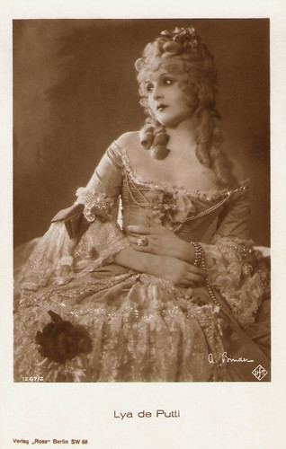 Lya de Putti in Manon Lescaut (1926)