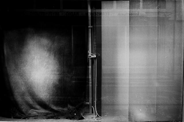 Black and gray (Nikon AF600)
