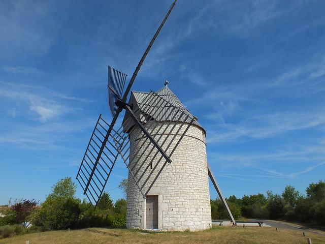 [248-001] Sainte-Alauzie - Moulin à vent de Boisse