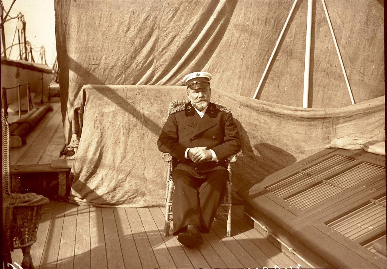10. Греция, г. Пирей. Капитан парохода «Николай» Клаасен