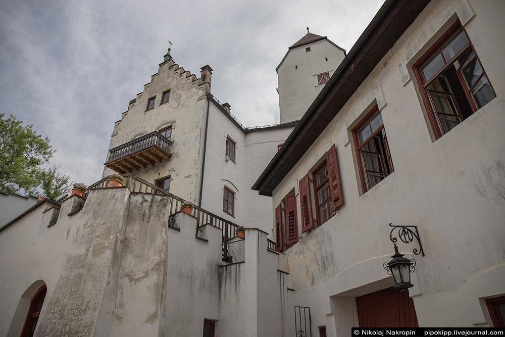 Жемчужина средневековья в тридцати минутах от Мюнхена - замок Элькофен