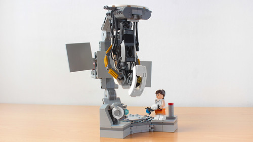 Lego Portal 2 GLaDOS vs Chell and Wheatley