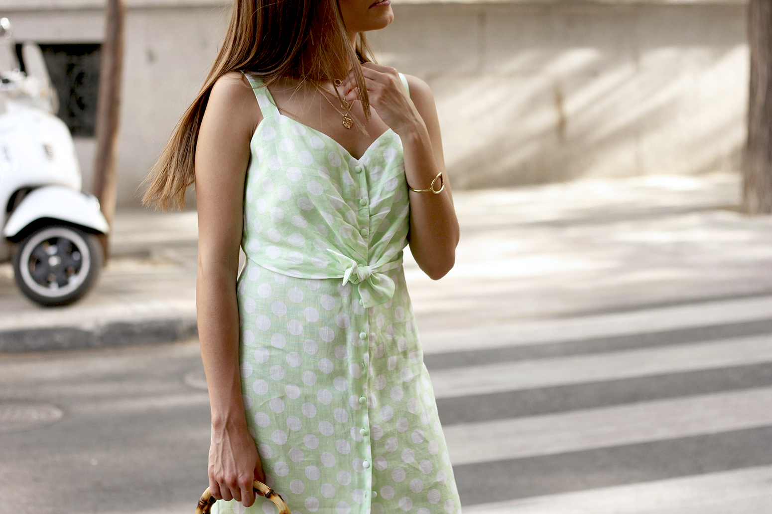 linen dress with polka dots uterqüe street style summer outfit 20199
