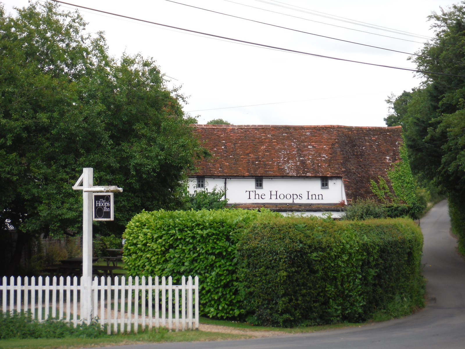 The Hoops Inn, Perry Green SWC Walk 210 - Sawbridgeworth to Bishop's Stortfort (via Henry Moore Foundation)