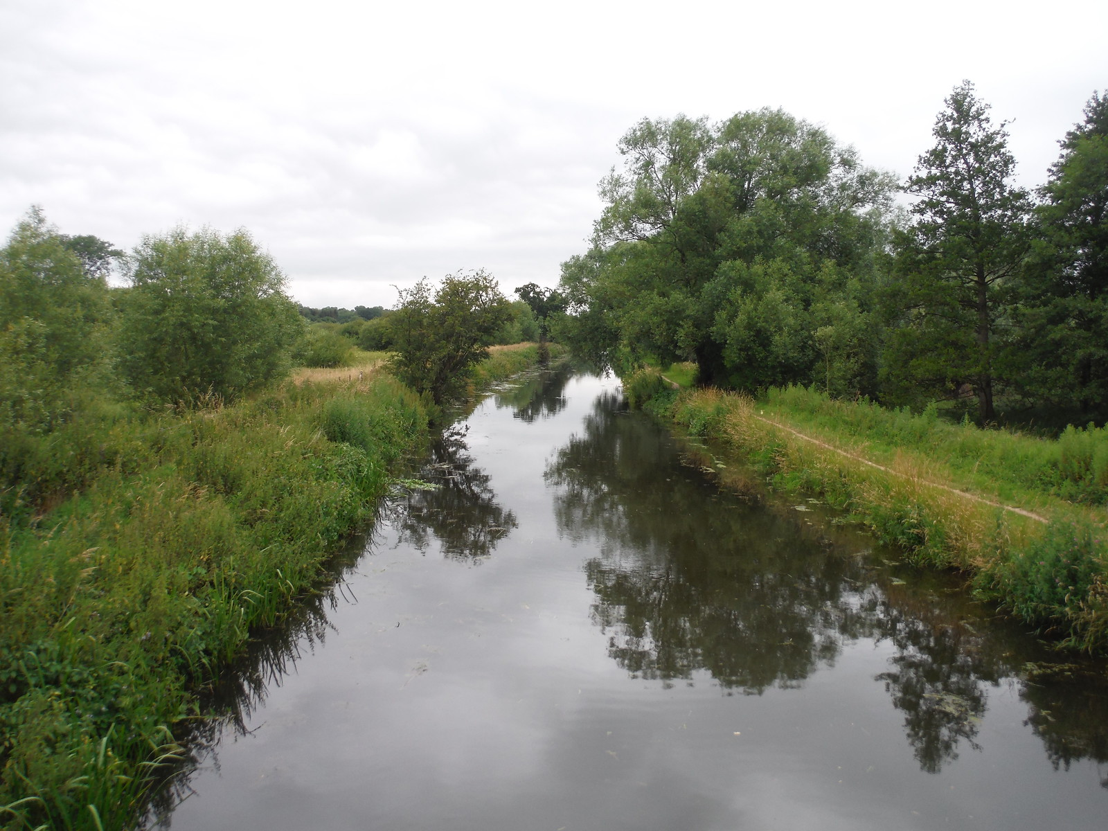 Stort Navigation from Bridge at Thorley Wash SWC Walk 210 - Sawbridgeworth to Bishop's Stortfort (via Henry Moore Foundation)