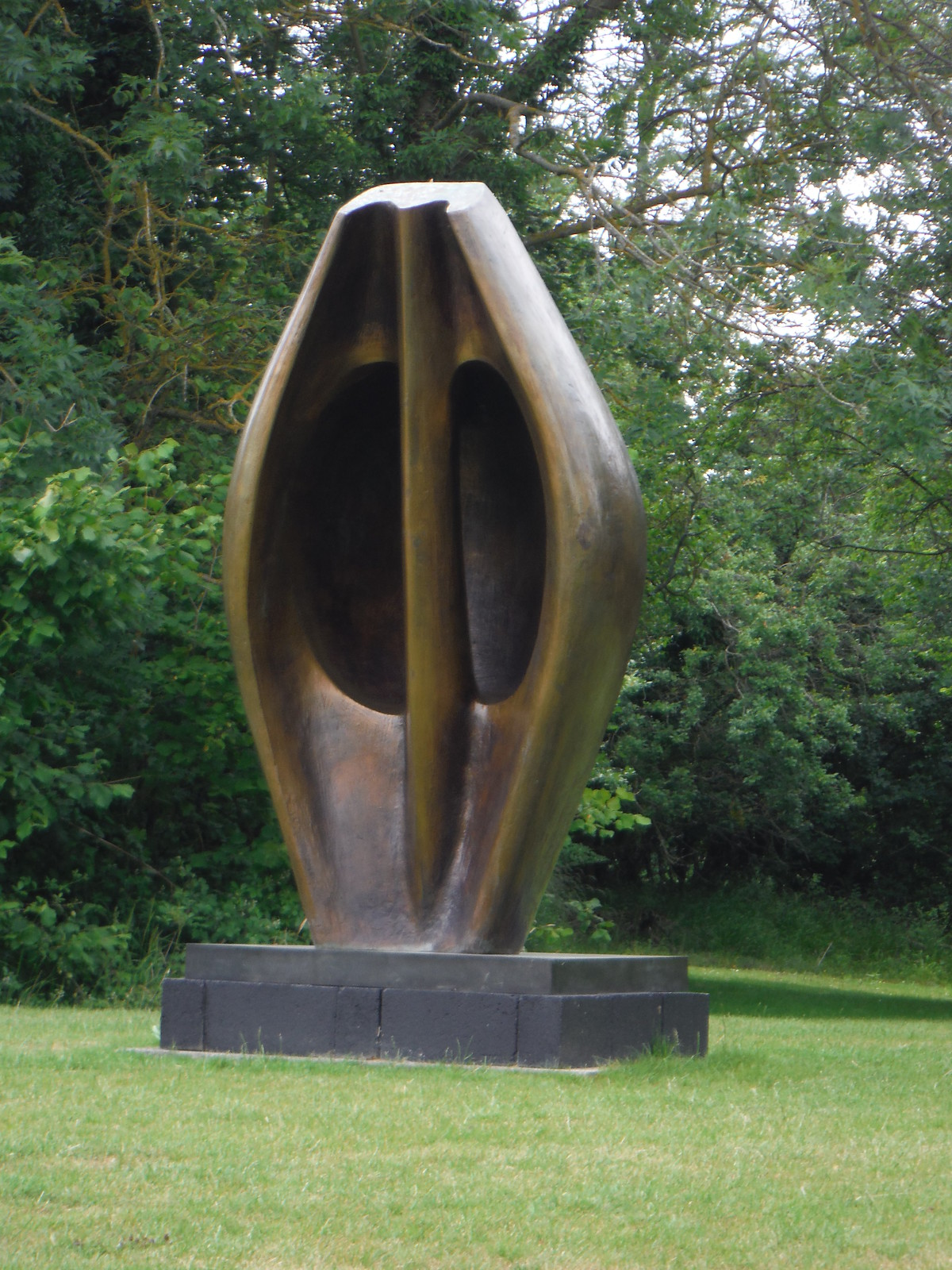Some Henry Moore Sculpture, visible from the Public Footpath SWC Walk 210 - Sawbridgeworth to Bishop's Stortfort (via Henry Moore Foundation)
