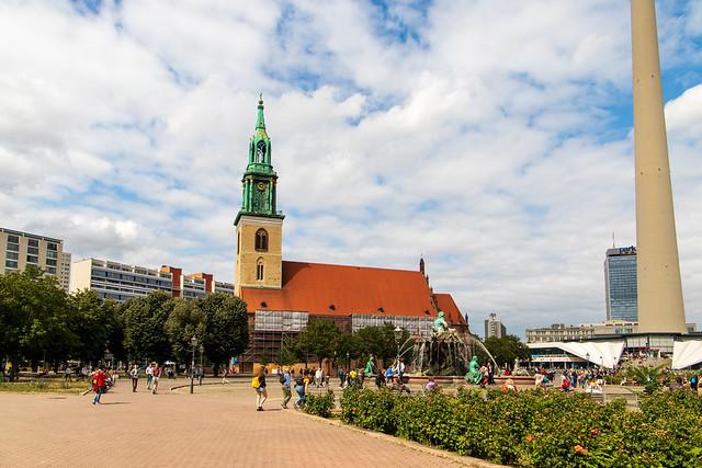 Blick über das Rathausforum