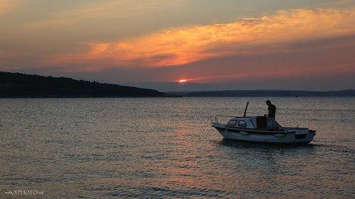 sea seacape sunset dusk sundown sky clouds boat adriatic croatia hrvatska europe canon