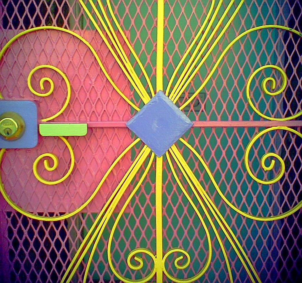 Eye candy gate