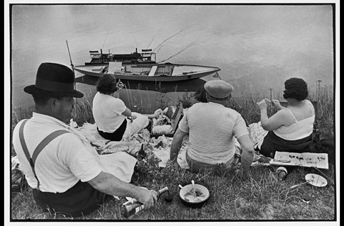 Bords de Marne France 1938 Henri Cartier- Bresson Magnum Photos Uti 485