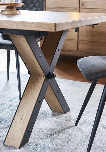 DETAIL pied table