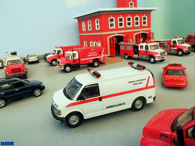 GMC Savanna Mobile Intensive Care Unit