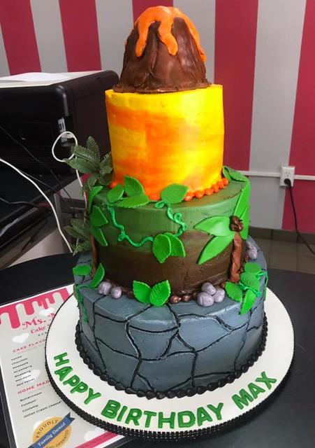 Cake by Ms.Mirandas Cake Shop