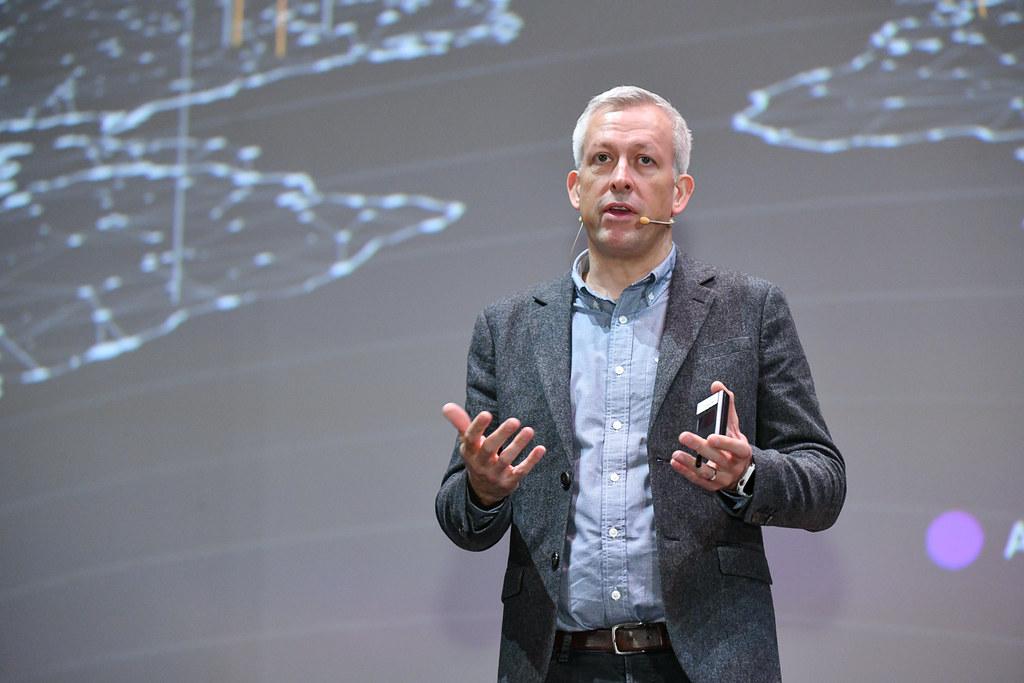 專訪AWS Ian Massingham:從高峰會到社群英雄  AWS打造會自我分享、教育、蛻變的生態系統