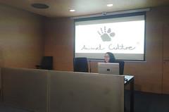 La ermuarra Jesika Martínez Alcocer presenta su obra.