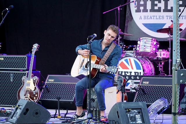 FLO BAUER Acoustic