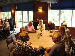 Een tafel in het restaurant